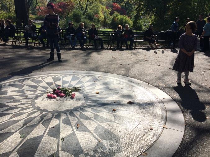 Mosaico em homenagem a John Lennon no Central Park