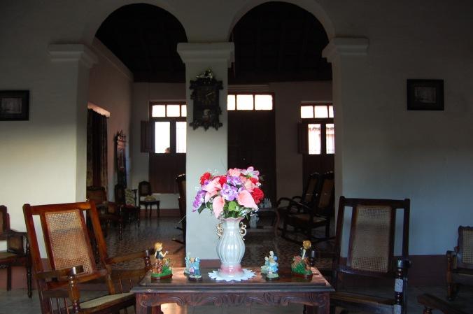 Sala de estar da casa da Yaqueline em Trinidad. Foto: Débora Costa e Silva