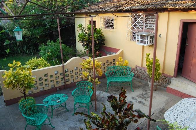 Jardim da casa da Yaque em Trinidad. Foto: Débora Costa e Silva