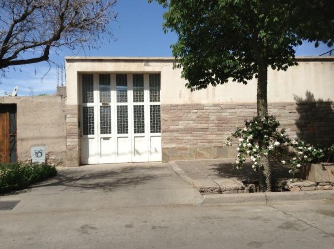 O portãozinho branco onde fui tocar a campainha na esperança de encontrar o Sergio e... achei!