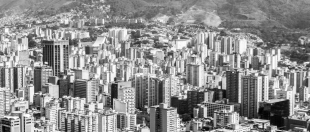 Vista de Caracas, capital da Venezuela. Foto: Julio César Mesa/Flickr-Creative Commons via Viagem em Pauta
