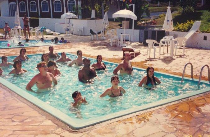 Aula de hidroginástica na piscina do hotel: quem nunca? Essa foto foi no Hotel Fazenda M1, em Águas de Lindóia. Foto: Arquivo pessoal