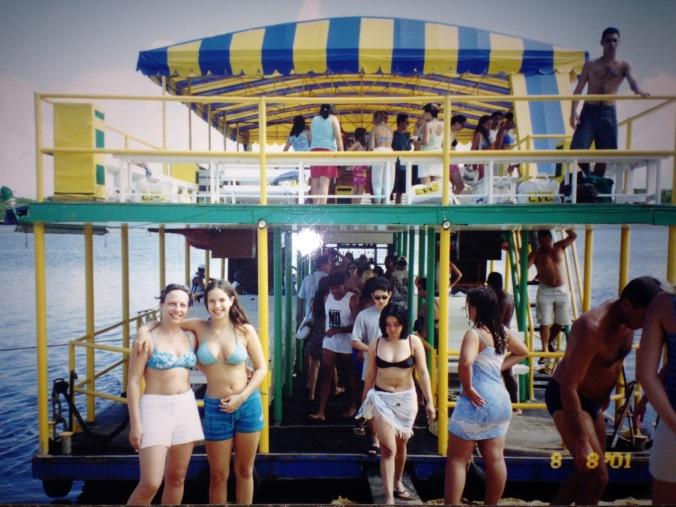 Nós duas no passeio de Catamarã em Porto Seguro (BA). Foto: Arquivo pessoal