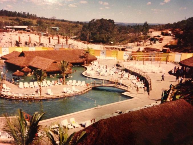 Piscinas do Hot Park, no Rio Quente, nos primórdios, em 1997. Foto: Ivani Pavoski