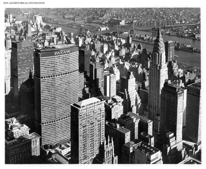 Pan_Am_Building_aerial_view_to_Northeast-4427-900-600-100
