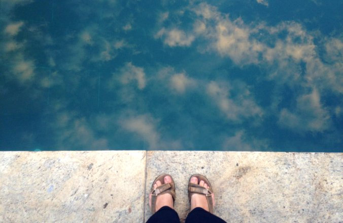 Papetes no céu - ou na beira da piscina do Parque Lage, no Rio, meu lugar predileto na cidade <3. Fotos: Débora Costa e Silva