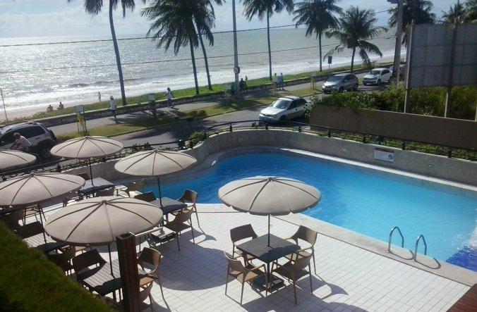 Piscina do hotel Hardman, com vista para a praia de Manaíra. Foto: Ivani Pavoski