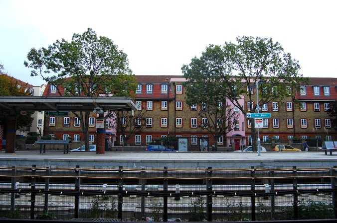 Vista da estação West Ham, zona leste de Londres. Foto: Débora Costa e Silva