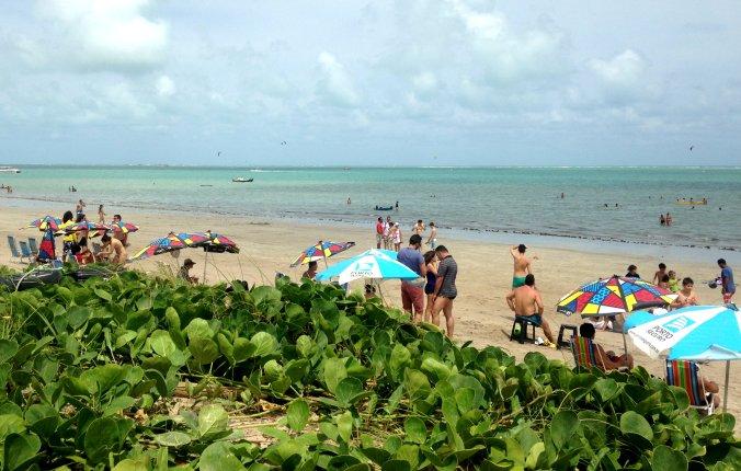 Praia em Cabedelo, uma das paradas do passeio pelo litoral norte da Paraíba. Foto: Débora Costa e Silva
