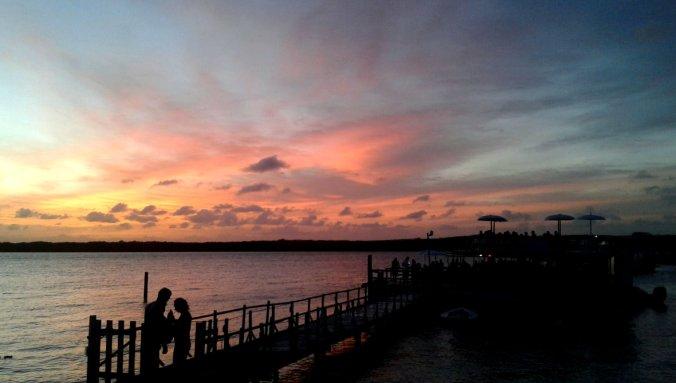 Pôr do sol na Praia do Jacaré é uma das atrações mais famosas da Paraíba. Foto: Débora Costa e Silva