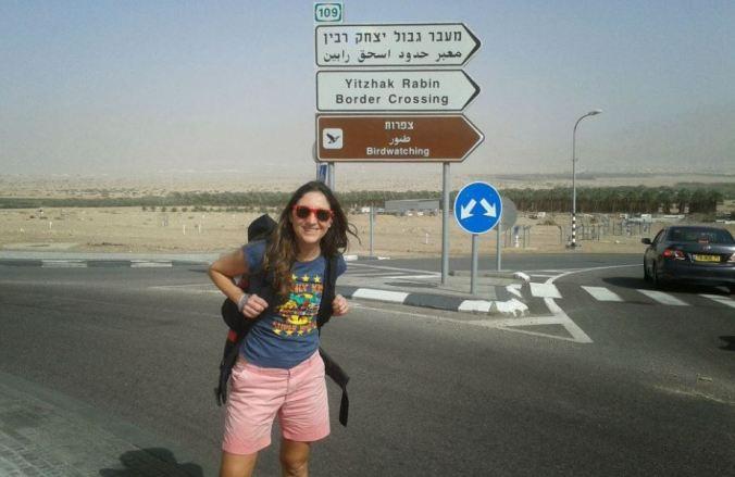 Carol entre Israel e Jordânia, em viagem de 2014. Foto: Arquivo pessoal