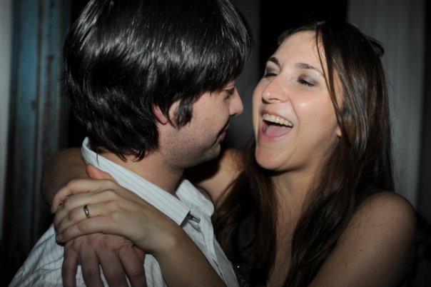Olhar apaixonado entre Carol e Anthony, em Barcelona, 2010. Foto: Arquivo Pessoal