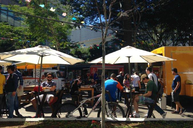Feirinha gastronômica na Praça Oswaldo Cruz. Foto: Débora Costa e Silva