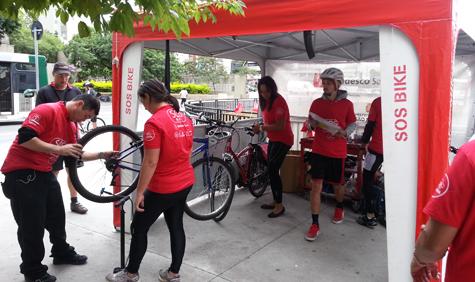 SOS Bike na Praça do Ciclista, com serviços gratuitos. Foto: Movimento Conviva